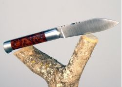 Couteau Roquefort avec son manche en bois d'amourette