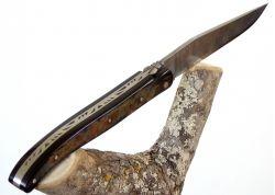 Couteau Laguiole avec lame Damas forgée artisanale et son manche en Croute de Corne de Buffle/Bison